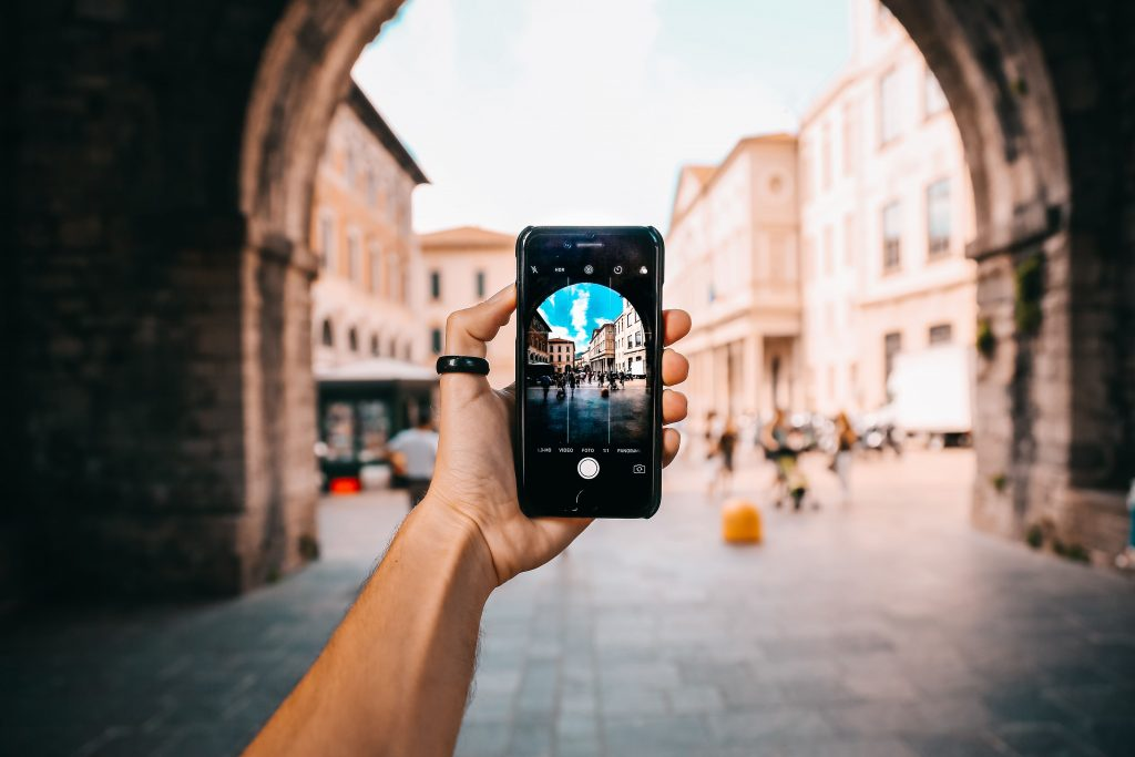 6 Top Tips For Shooting Great Video and Photos On Your Phone